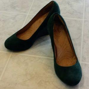 Clarks Wedge heels dark green suede Sz 5M EUC